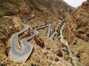 Droga w Wąwozie Dades w Maroko